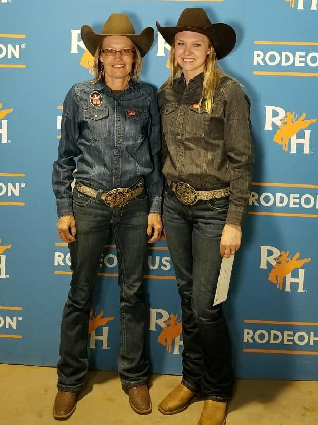 Good night for the Team! Cayla Melby Small advances to the semi finals and Jane wins some day money! THANK YOU LORD AND #rodeohouston #shortyscaboyhattery #kimesranchjeans #crshirts #gbargsaddles #iconoclast #diamondwoolpads #Equipulmin #bluebonnet #drawitout #ultracruz #carolinabits #healthycoat #logancoach #glorytoGod