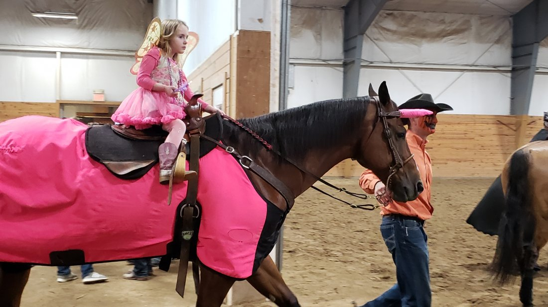 GH Cromed Mercedes participates in the Pee-wee reining & costume classes at NCRHA Spookfest!